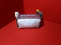 Подушка безопасности в торпедо Альфа Ромео 156